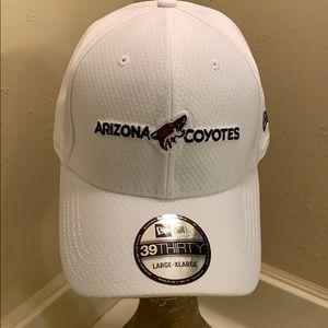 New Era Arizona Coyotes L/XL Mesh Hat BNWT
